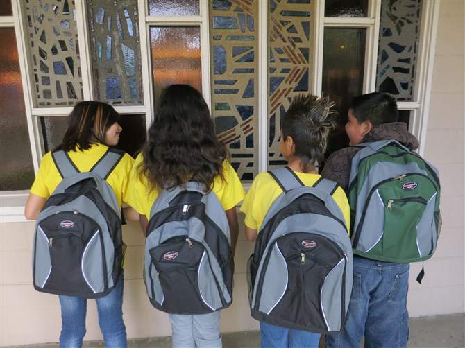 Las Santa Beclaras Circuit Backpack Giveaway Sunday